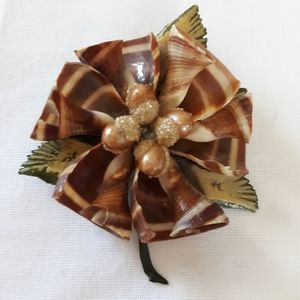 Vintage Celluloid Shell Brooch Pin Green Leaves